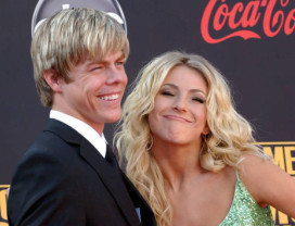 Mormon Professional dancers Derek and Julianne Hough